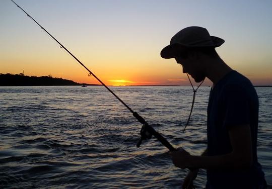 魚のいない場所で糸を垂らしても何も釣れない